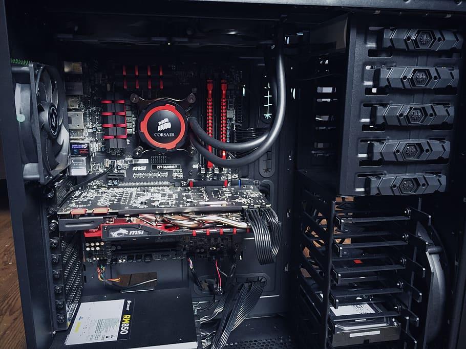 cómo montar un ordenador discos duros